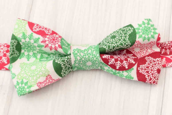 Red and Green Snowflake Bow Tie