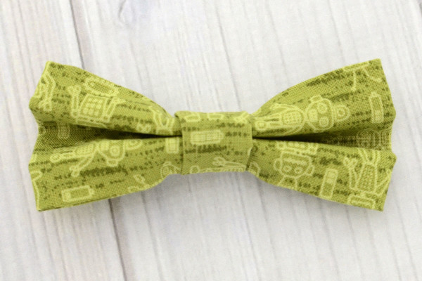 Green Robots Bow Tie Shirt